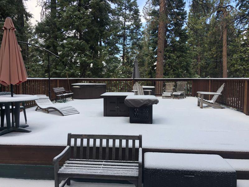 Big decks & trees, patio furniture, @4500 altitude